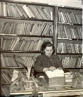 Genowefa Armatys - kierowniczka biblioteki 1965 rok
